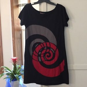 Dresses & Skirts - Black detailed T-shirt dress